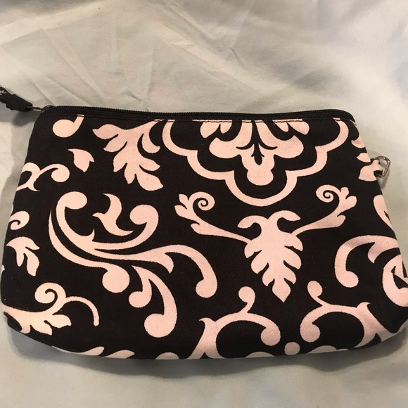 thirty-one Handbags - Thirty one cosmetic bag